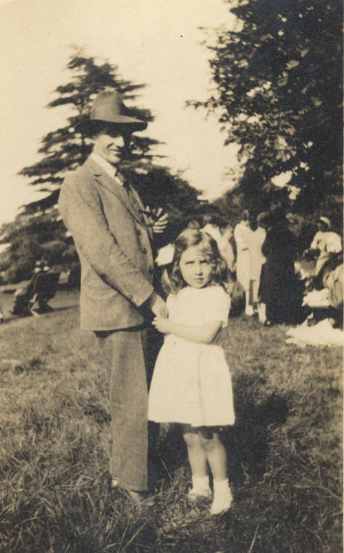 Photo of the artist with his daughter Elspeth circa 1929